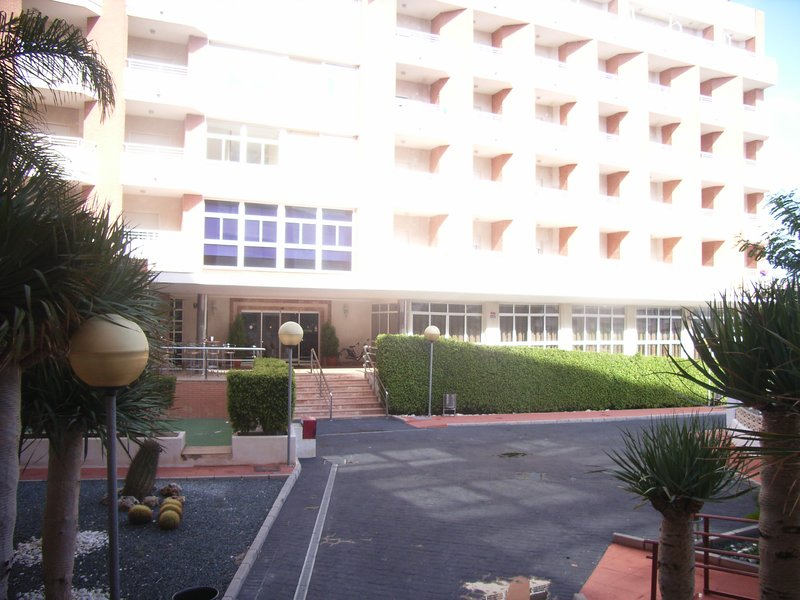 APARTAMENTO - HOTEL GRAN PLAYA, holiday rental in Santa Pola