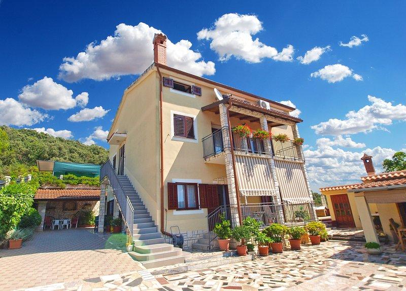 Apartment 1289, holiday rental in Vinkuran