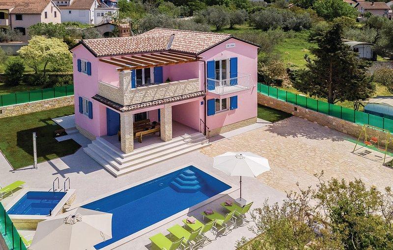 Villa Vila Nicolas Peroj Zoran Zoran, vacation rental in Fazana