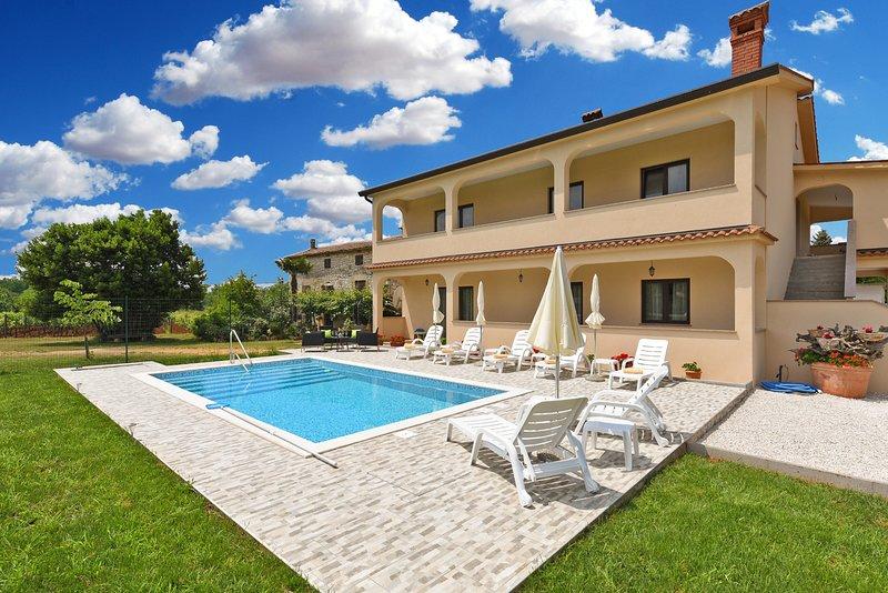Apartment 17233, holiday rental in Kastelir