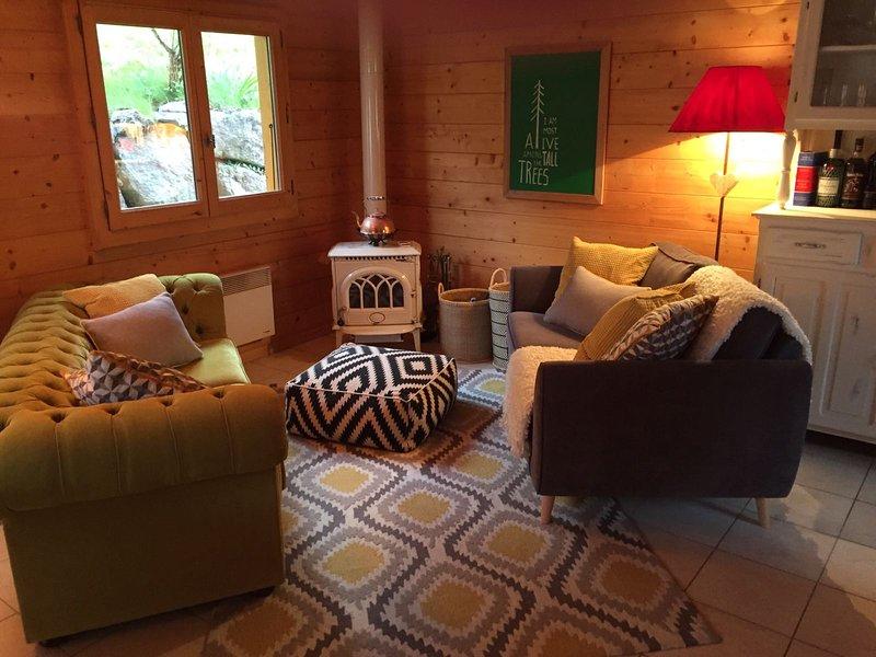Beautiful 2 Bedroom Chalet, holiday rental in La Cote-d'Arbroz