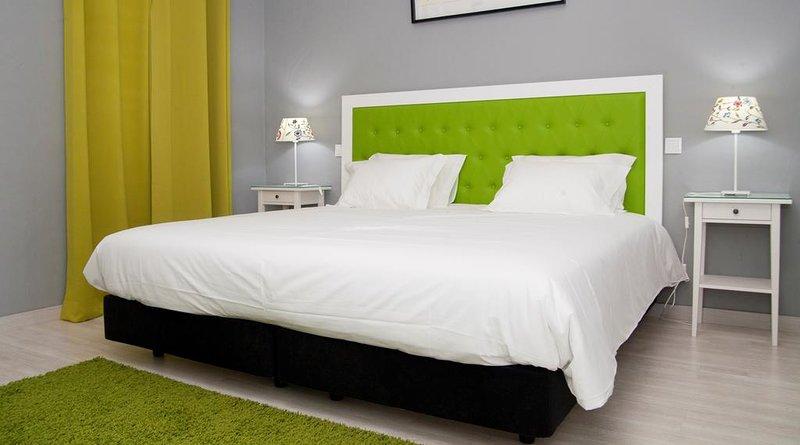 Quinta dos I's - Double Room - Rural Hotel Algoz, vacation rental in Fonte De Louzeiros