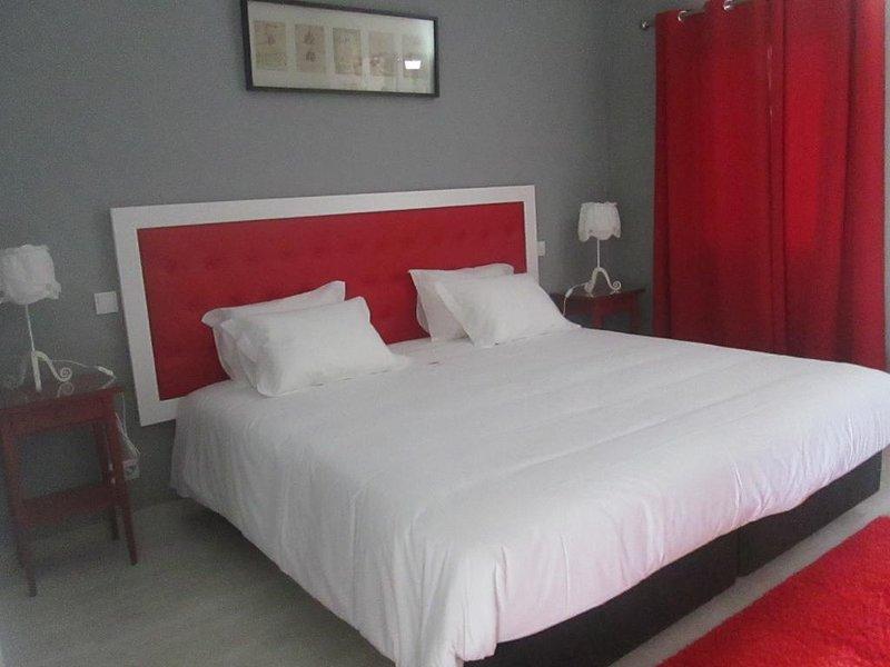 Quinta dos I's - Triple Room - Rural  Hotel Algoz, vacation rental in Fonte De Louzeiros