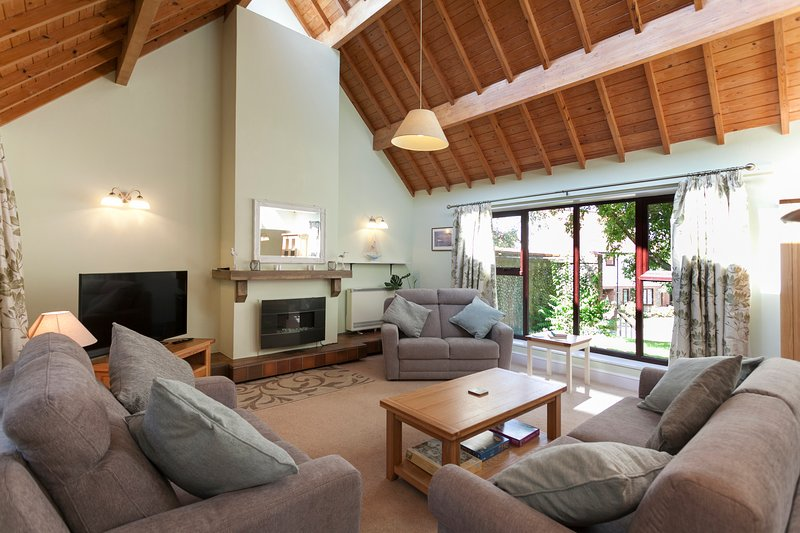 The Cley, holiday rental in Wiveton
