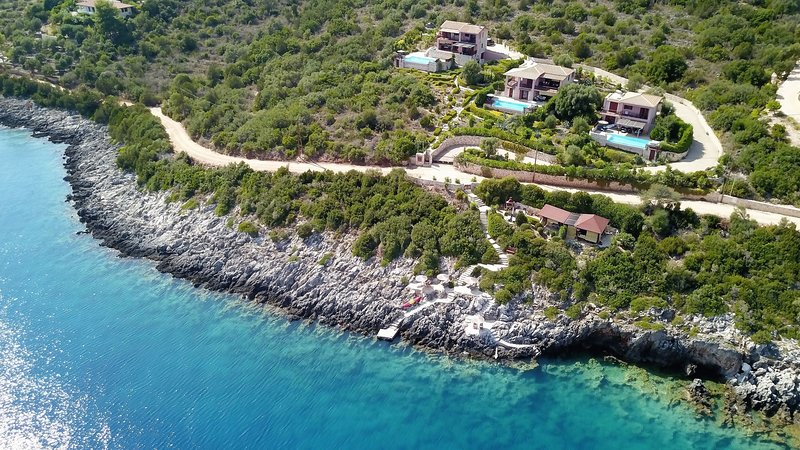Seafront villa EVA up9 pers,.private pool, 30m seaside from 19th Sept., holiday rental in Evgiros