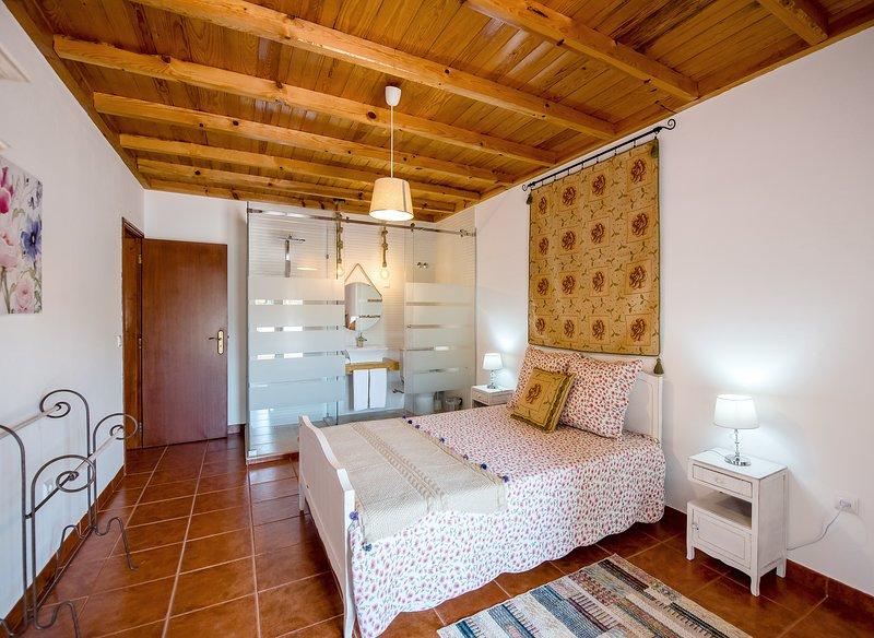 Vale do Grou Natura - Quarto 1, holiday rental in Alcoentre