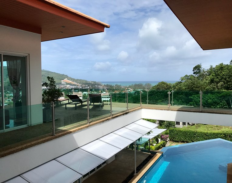 Luxury villa (7 bedrooms) with Sea View in Phuket, holiday rental in Kathu