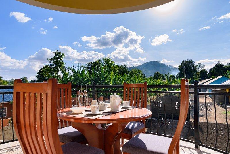 RAYAN ARUSHA APARTMENTS(3): THE 3 BEDROOMS FLAT, aluguéis de temporada em Arusha (região)