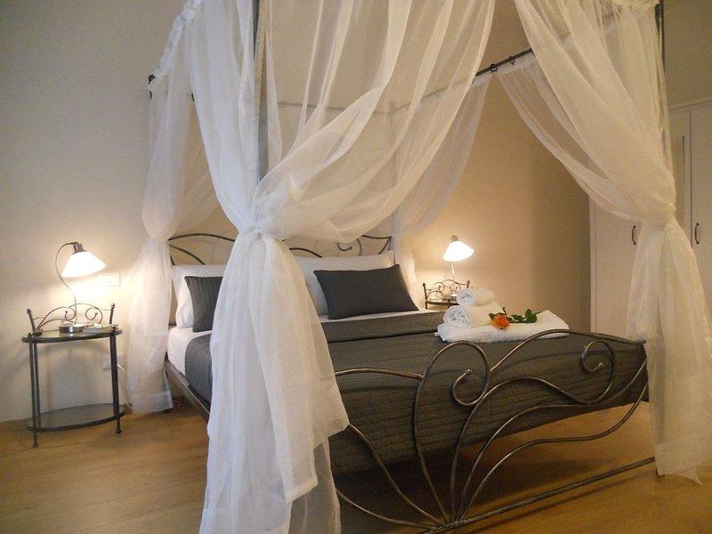 Suite CALLIOPE - LE MUSE, favolosa e centralissima, holiday rental in Pietrasanta