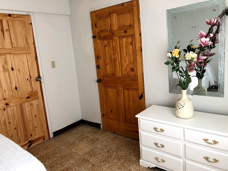 Amy's Vista One Bedroom, vacation rental in Montego Bay