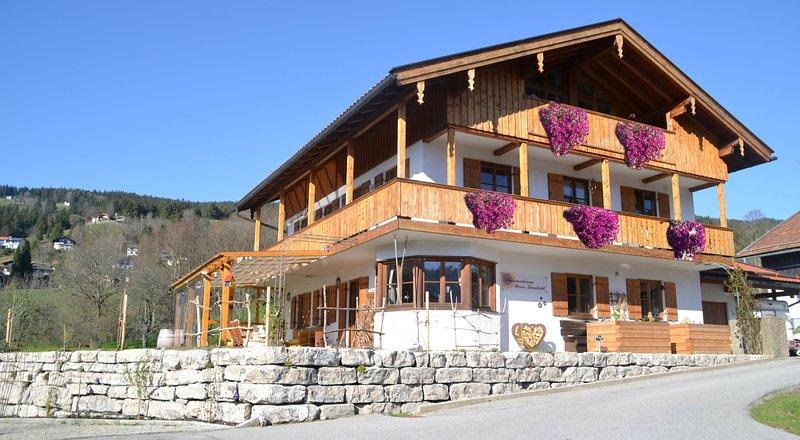 Ferienwohnungen Haus Sonnbichl, location de vacances à Feldkirchen-Westerham