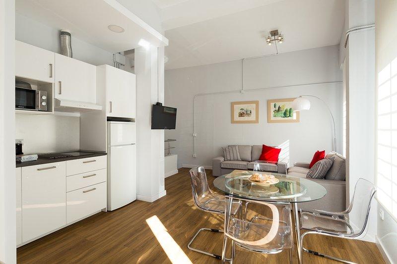 Elcano 14. 2 bedrooms, 2 bathrooms, free parking, holiday rental in Fuente del Rey