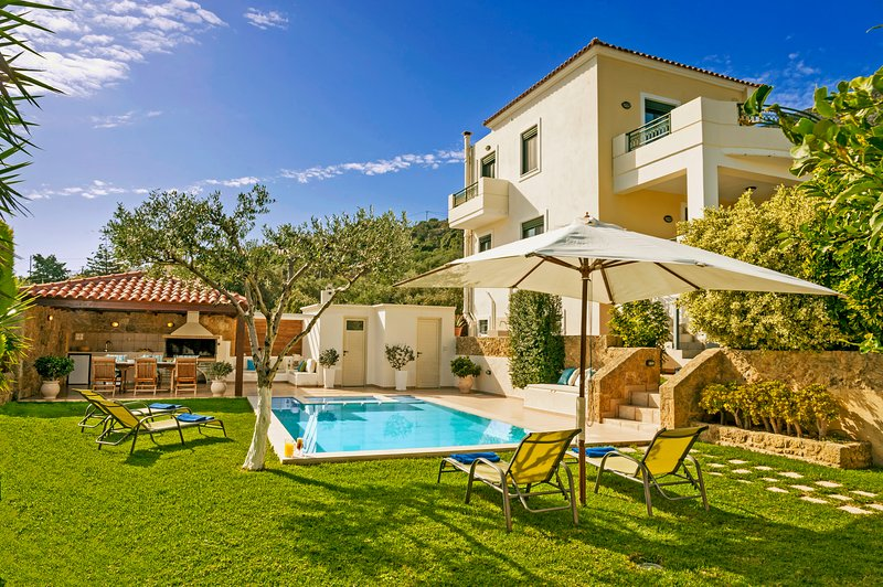 Luxury Villa with Incredible Exteriors and Heated Pool !!!
