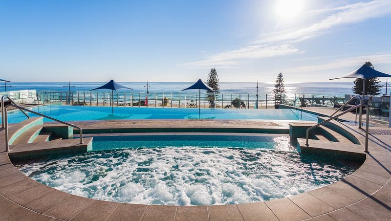 Soul-Building-Infinity-Pool-Ocean-View_L-36224ad6-afdb-4451-9a3c-13cc967bf40d.jpg