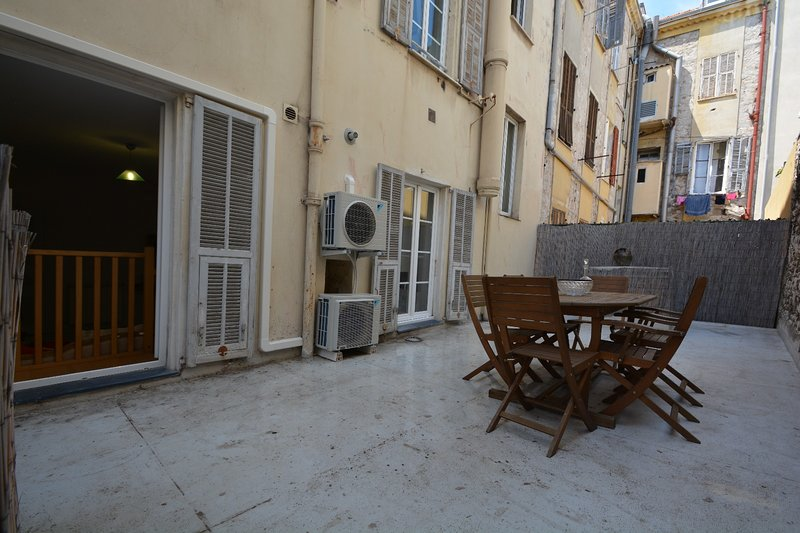Large private terrace quiet