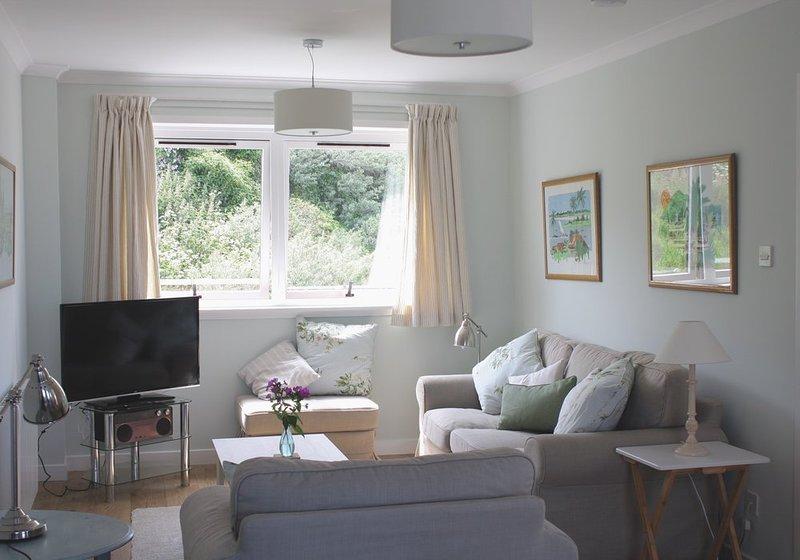 Sula Bassana - Stylish apartment with panoramic sea views, central North Berwick, vacation rental in North Berwick