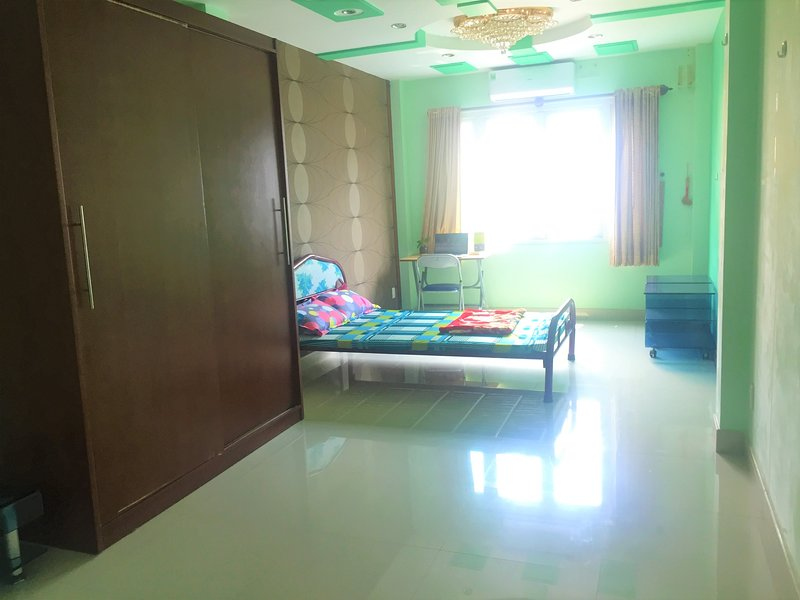 Nice Room for rent in district 3 (shared house), holiday rental in Ho Chi Minh City