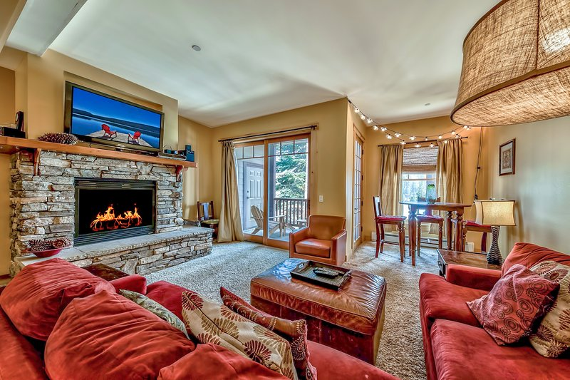 Luxury Three Bedroom Mountain Escape at Kirkwood, holiday rental in Bear Valley