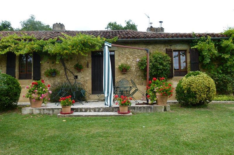 Spacious villa with swimming-pool, vakantiewoning in Simorre