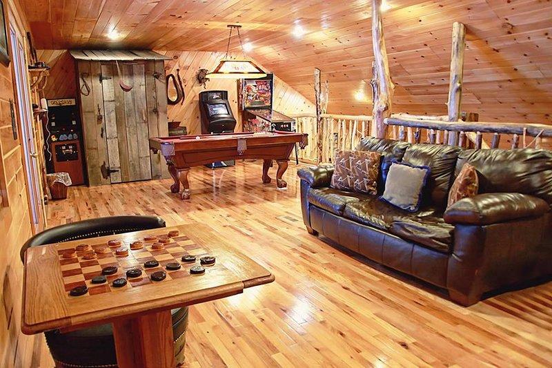 Deluxe 2 Bedroom Log Cabin, location de vacances à Alkol