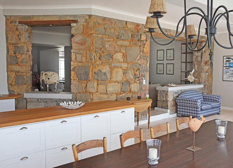 Dining table for 12 Watch the whales when cooking at the kitchen island