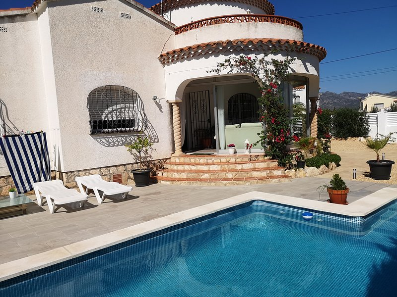 VILLA HARRY, holiday rental in L'Ametlla de Mar