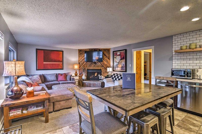 Concediti una fuga Rocky Mountain in questo appartamento!