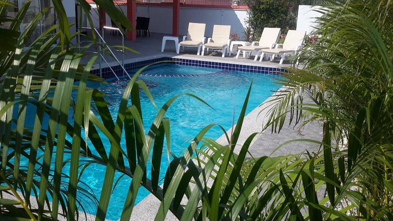 MANGO ORCHARD VILLA , Pak Nam Pran , Hua Hin, vacation rental in Pranburi