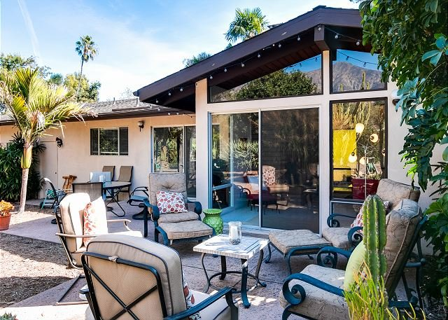 Orchard Estate w/ Fire Pit - 5 minutes to Beach, holiday rental in Montecito