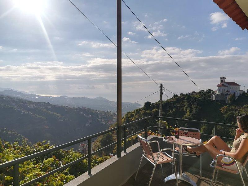 Benk Villa, Camara de Lobos, Madeira, holiday rental in Estreito de Camara de Lobos