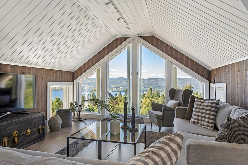 Boutique lodge with a great view 60 min from Oslo, holiday rental in Eastern Norway