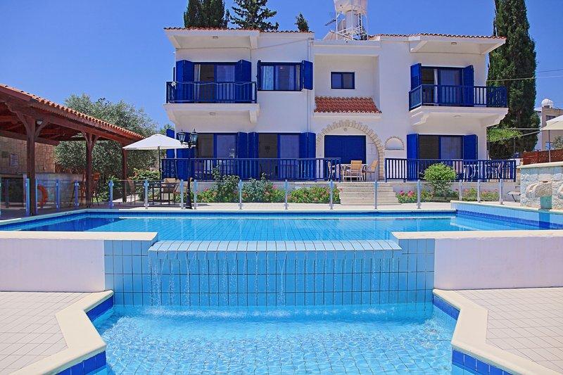 Villa Mandola Rosa: Private infinity pool, sensational views, A/C, casa vacanza a Prodromi