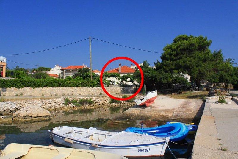 Three bedroom apartment Ugljan (A-8266-a), casa vacanza a Susica