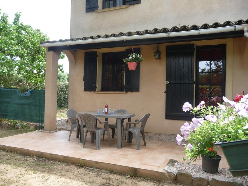 meuble tourisme rez de jardin, location de vacances à Vidauban