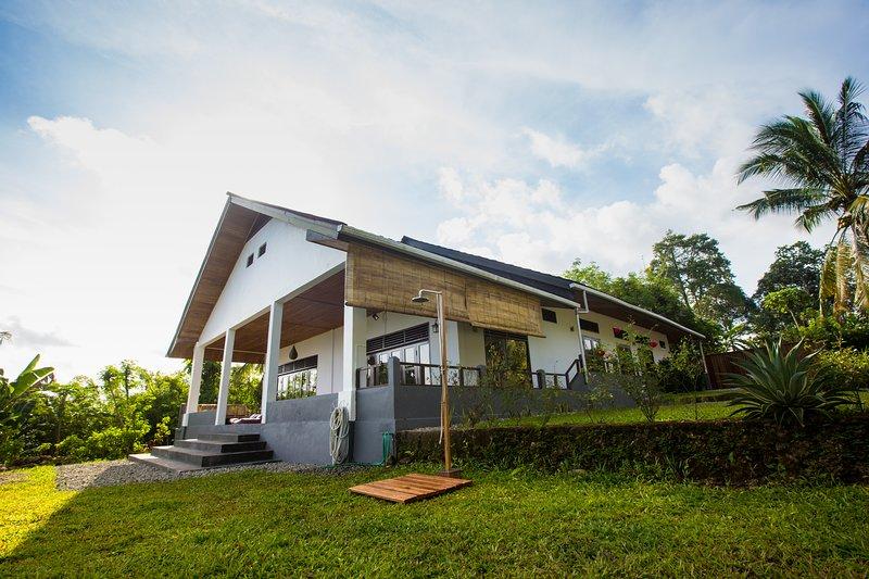 Sulibreeze Bed and Breakfast 1, location de vacances à Maluku Islands
