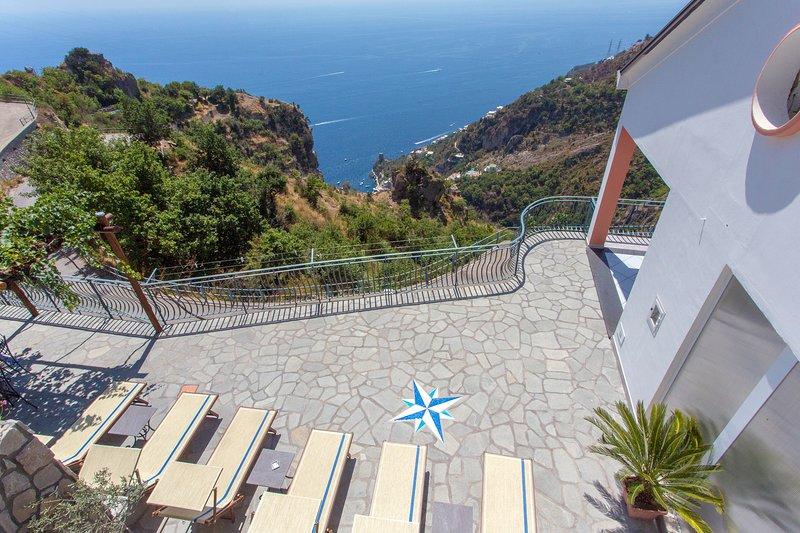 DOMUS VIGNA Fusco, Amalfi Coast, Vista Mare, vacation rental in Fiordo di Furore