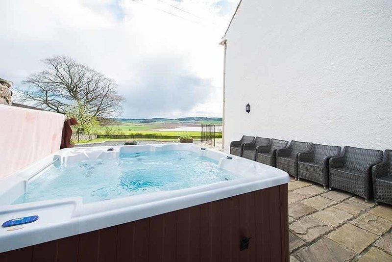 Balmeadowside Farmhouse near Cupar, Fife, holiday rental in Letham