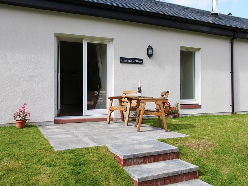 Chestnut Garden Cottage, holiday rental in Langbank
