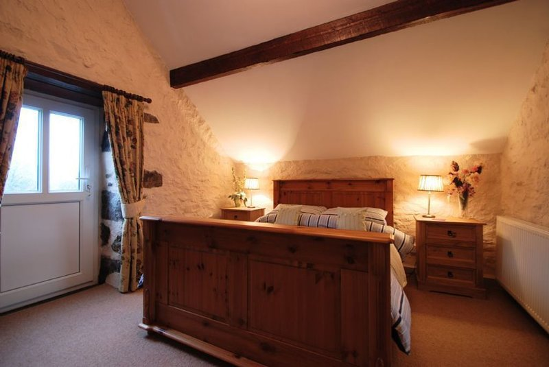 The Granary, holiday rental in Rowen