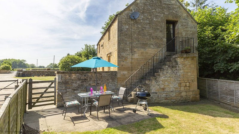 Sundial Cottage - Delightful holiday cottage full of character and charm, in a g, alquiler vacacional en Long Marston