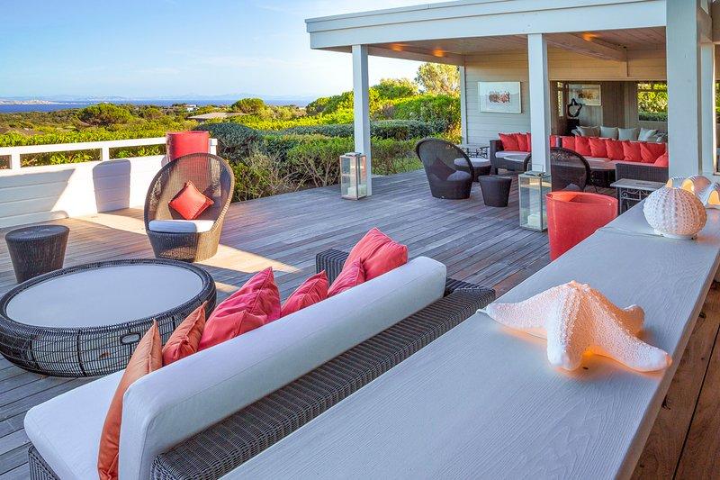 Saint-Julien Villa Sleeps 14 with Pool and Air Con - 5680987, casa vacanza a Bonifacio