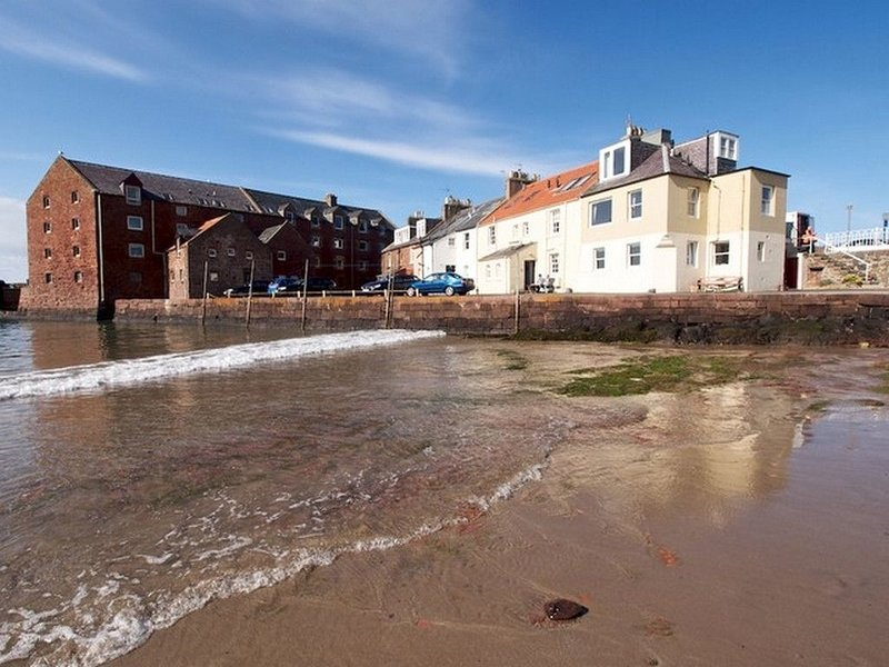 Quayside Cottage, vacation rental in North Berwick