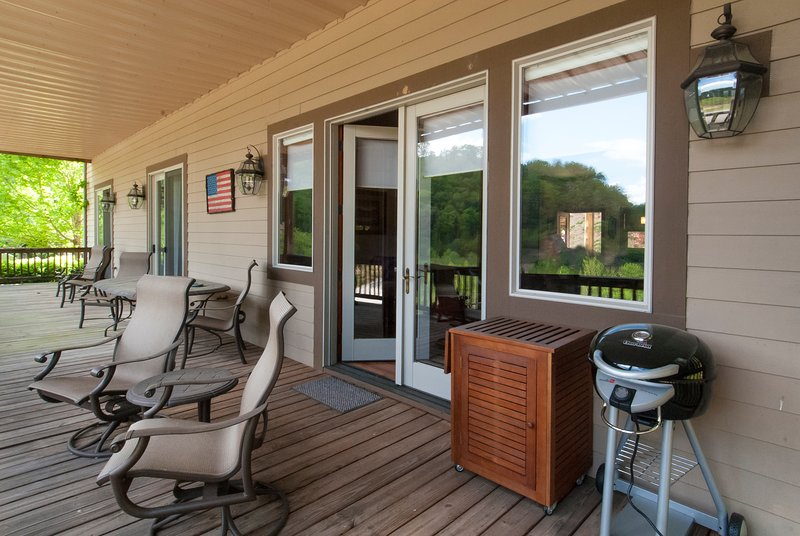 Beautifully Appointed Mountain Resort Condo, vacation rental in Whittier
