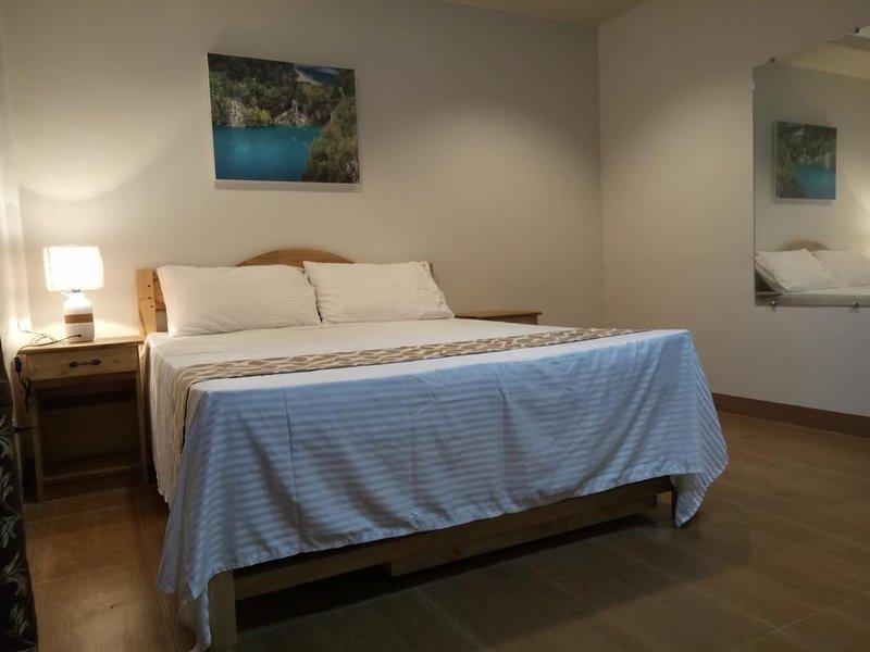 Layanglayang Home - Premium Deluxe Bedroom 4, holiday rental in Palawan Island