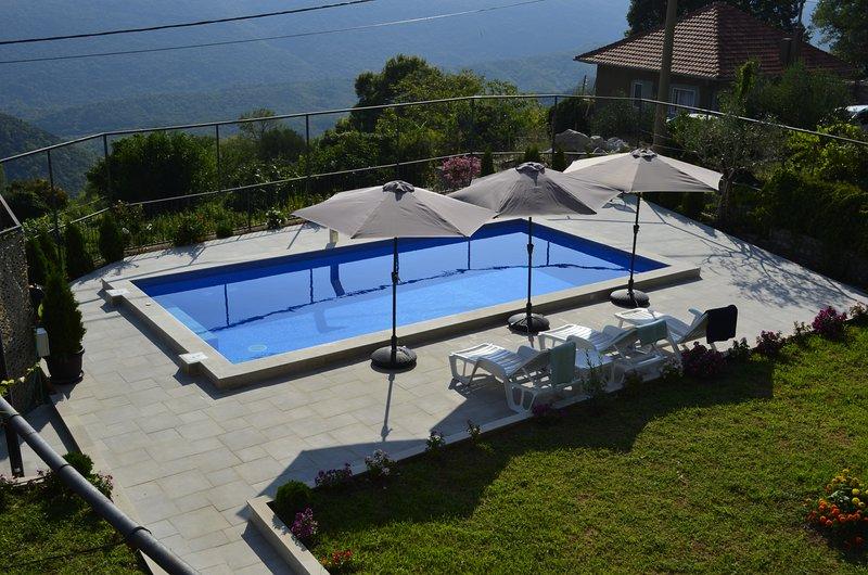 Villa Nikola - terrific nature for families, holiday rental in Kotor