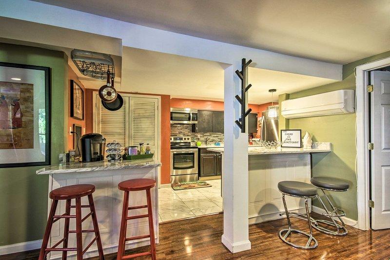 El apartamento tiene 1 dormitorio, 1 baño y puede alojar a 2 personas.