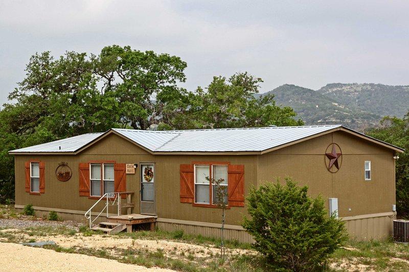 Questa casa vacanza con 3 letti e 2 bagni ospita comodamente 8 ospiti fortunati!