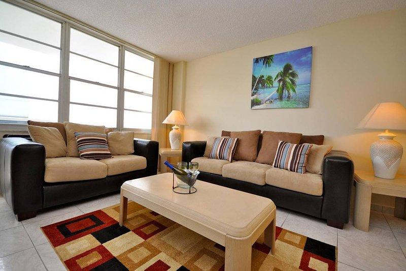 Miami Hollywood Beachfront condo, vacation rental in Hallandale Beach