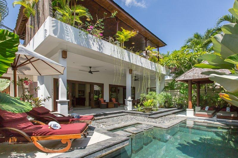 Villa Sedap Malam - near KuDeTa Beachclub, vakantiewoning in Kerobokan Kelod