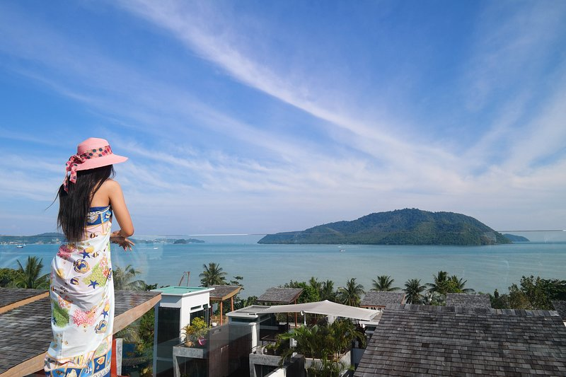 Panoramic Sea View Luxury 4•BDRM Holiday Residence, holiday rental in Rawai